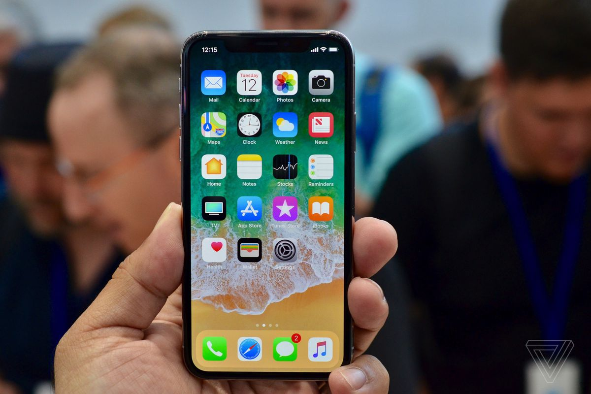 Iphone X Verge Wallpaper Apple Releases Ios 11 2 With Apple Pay Cash Fast Wireless