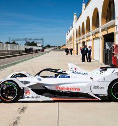 photo mahindra racing [ 1200 x 800 Pixel ]