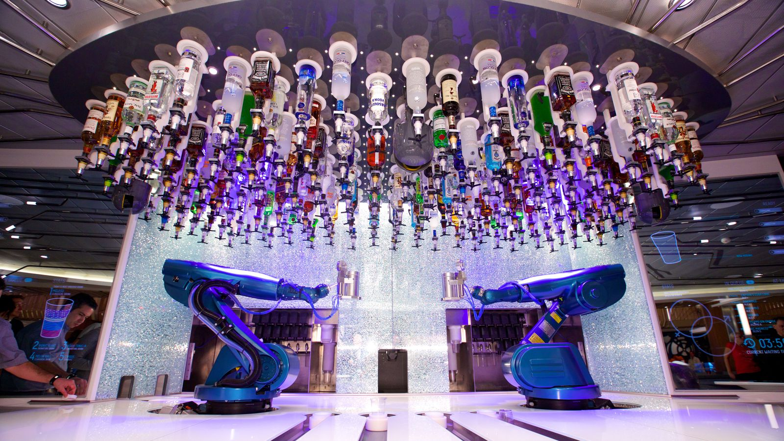 First Robotic Bar Experience in the World Heads to the