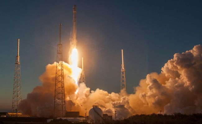 Spacex Will Resupply The Space Station For The First Time