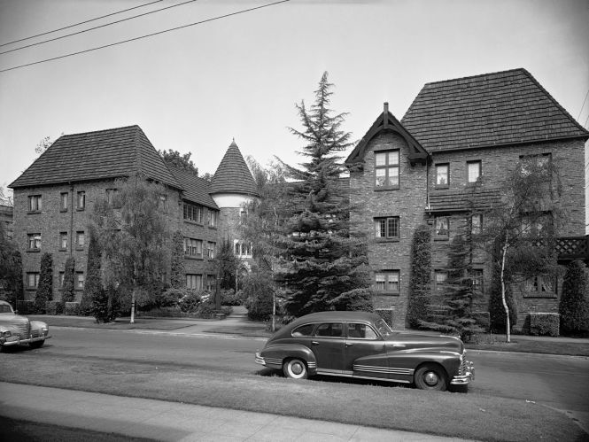 Historic Buildings By Frederick Anhalt