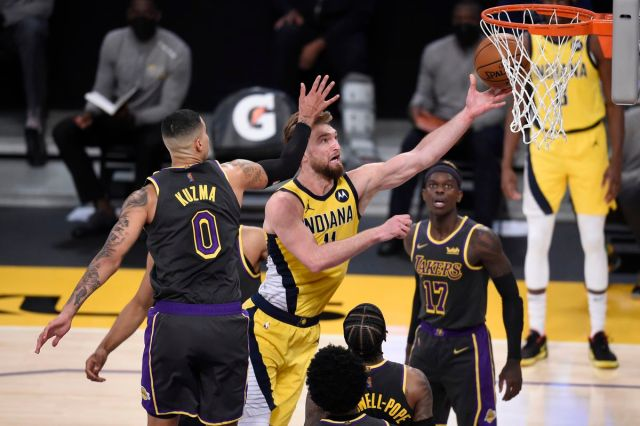 Pacers final score: Pacers collapse against Lakers, losing 105-100 - Indy  Cornrows