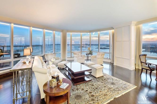Ritz Carlton Battery Park S Luxe Will Be Auctioned Off