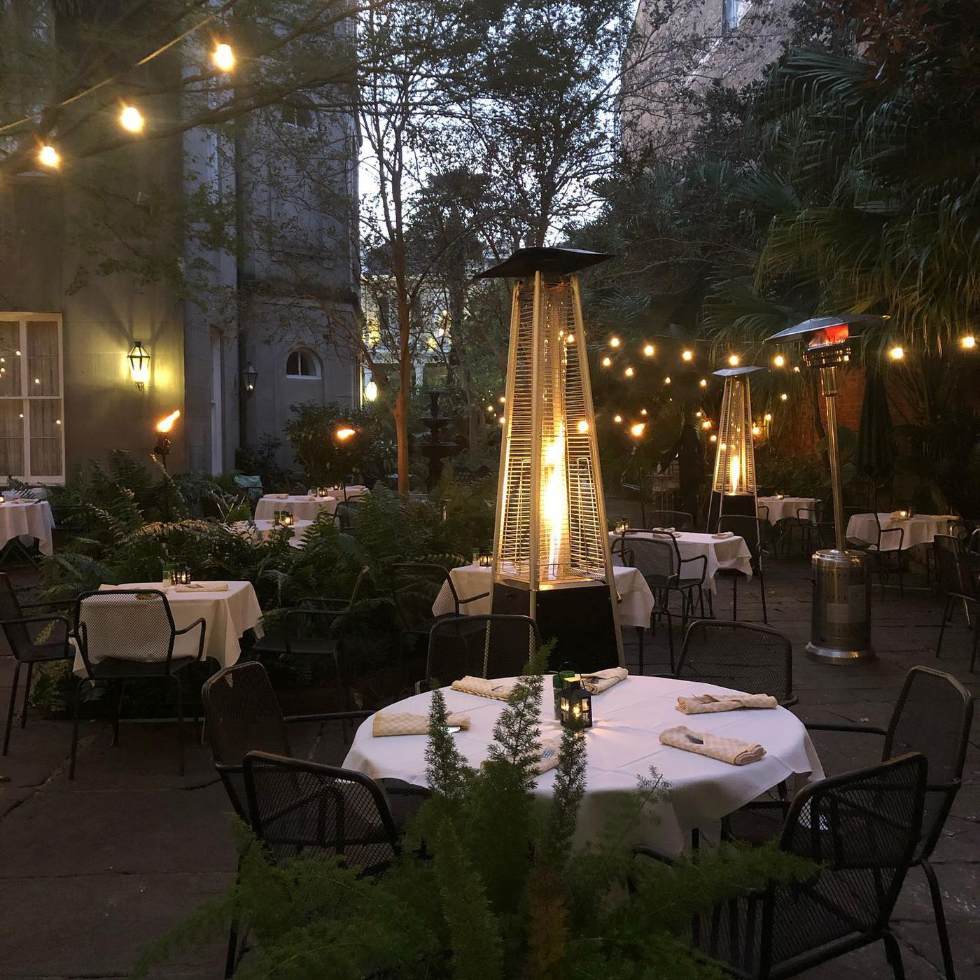 new orleans restaurants with heated