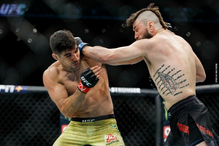 UFC Phoenix bonuses: Vincente Luque and Bryan Barberena earned Fight of the  Night - MMA Fighting