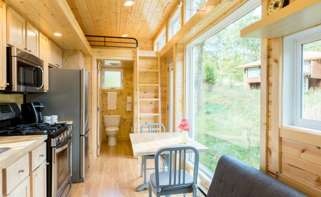 Tiny House With Full Size Appliances Can Sleep 8 Curbed