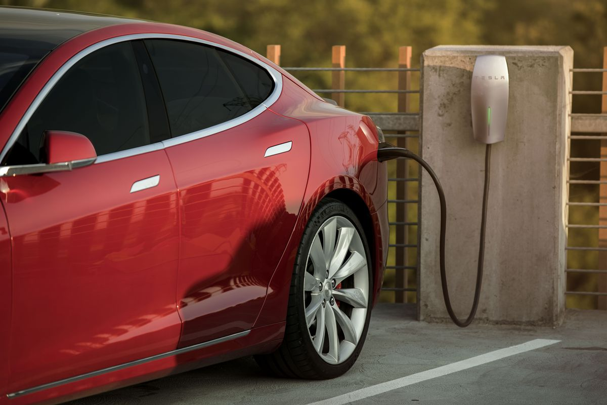 hight resolution of a new workplace charging program unveiled today offers businesses free tesla wall connectors and