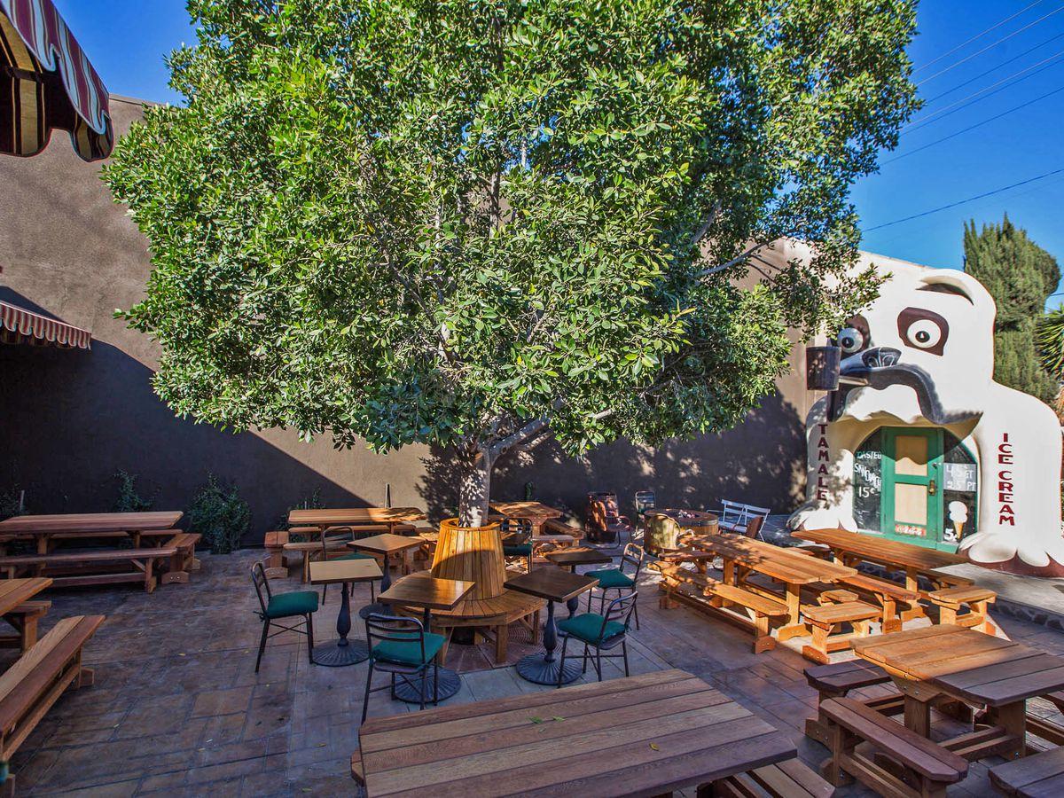 16 Best Outdoor Dining Restaurants In Los Angeles