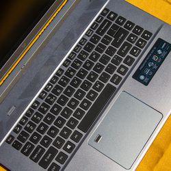 <em>I really like the keyboard, it's nice and clicky. </em>