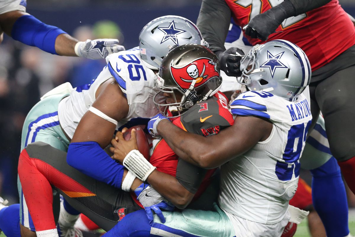 Snap Counts For The Cowboys Defense David Irving Helped Seal The Win Against The Bucs