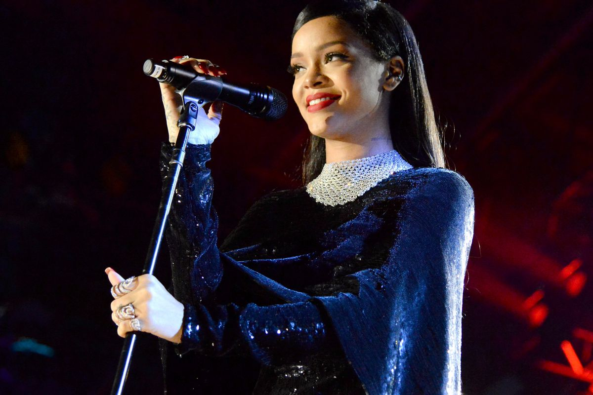 Hollywood Beautiful Girl Hd Wallpaper Proof That Rihanna Can Sing In One Video Vox