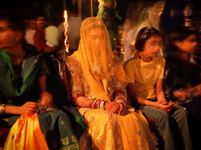 Dowries are illegal in India. But families — including mine — still expect  them. - Vox