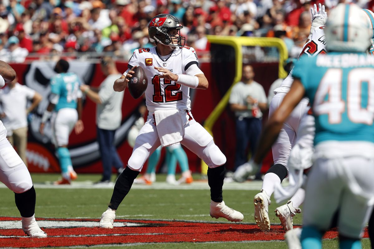 2021 Buccaneers vs Eagles Week 6 Predictions and a Pick Against the Spread