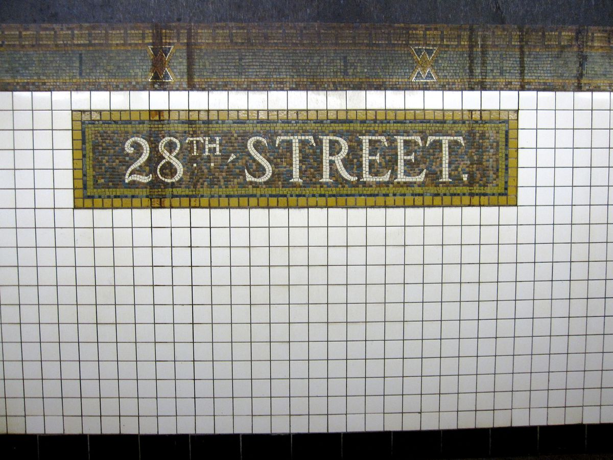 20 nyc subway stations with show