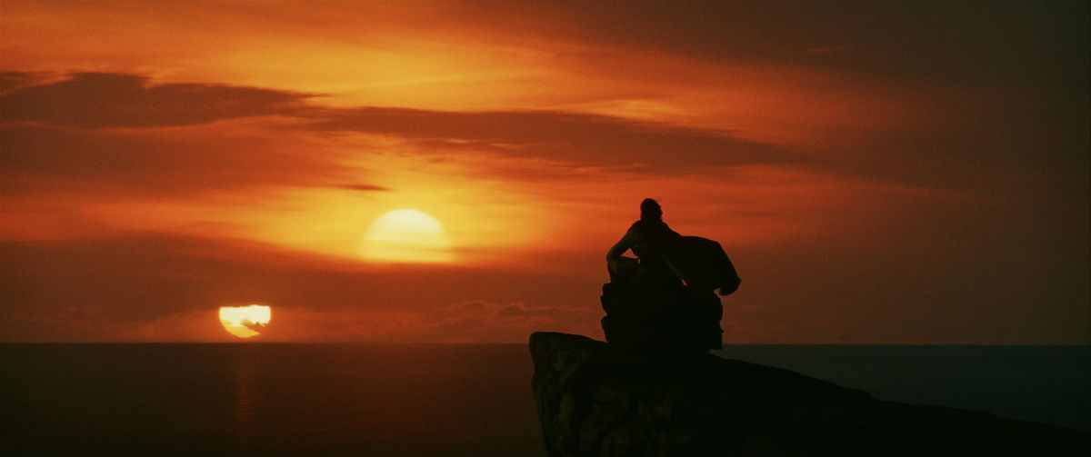 twin suns set on ach-to, the light backlighting luke skywalker