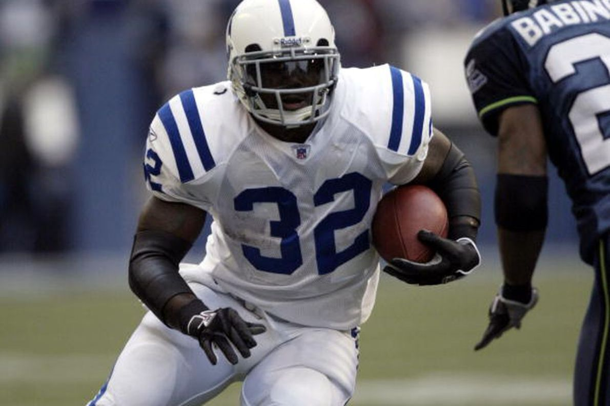 Report: Edgerrin James Retires From NFL; Hall Of Fame Should Be Next Stop -  Stampede Blue