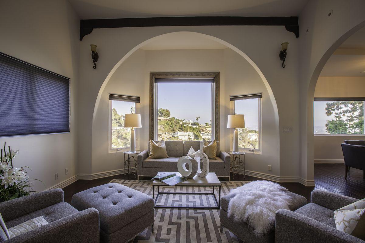 Mariska Hargitay S Former Hollywood Hills Home Asks 4 75m