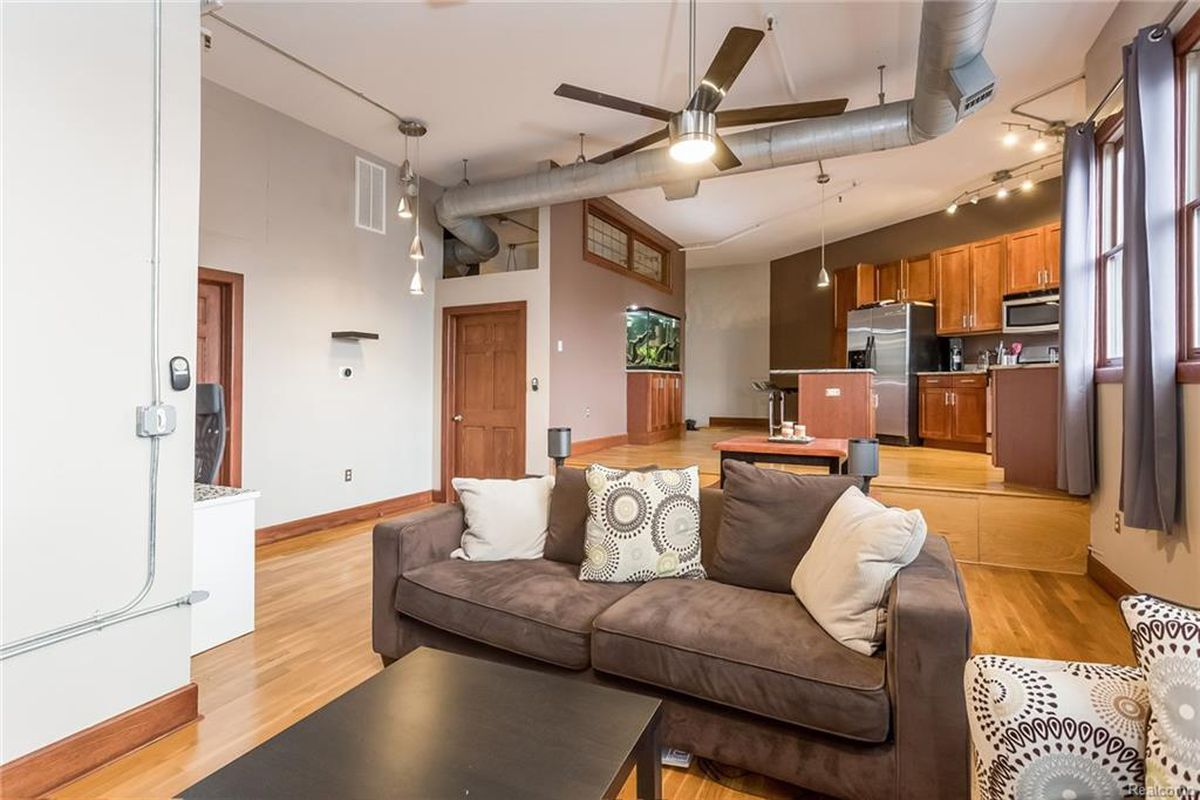 For 275K a onebedroom loft with a fish tank in Lafayette Park  Curbed Detroit