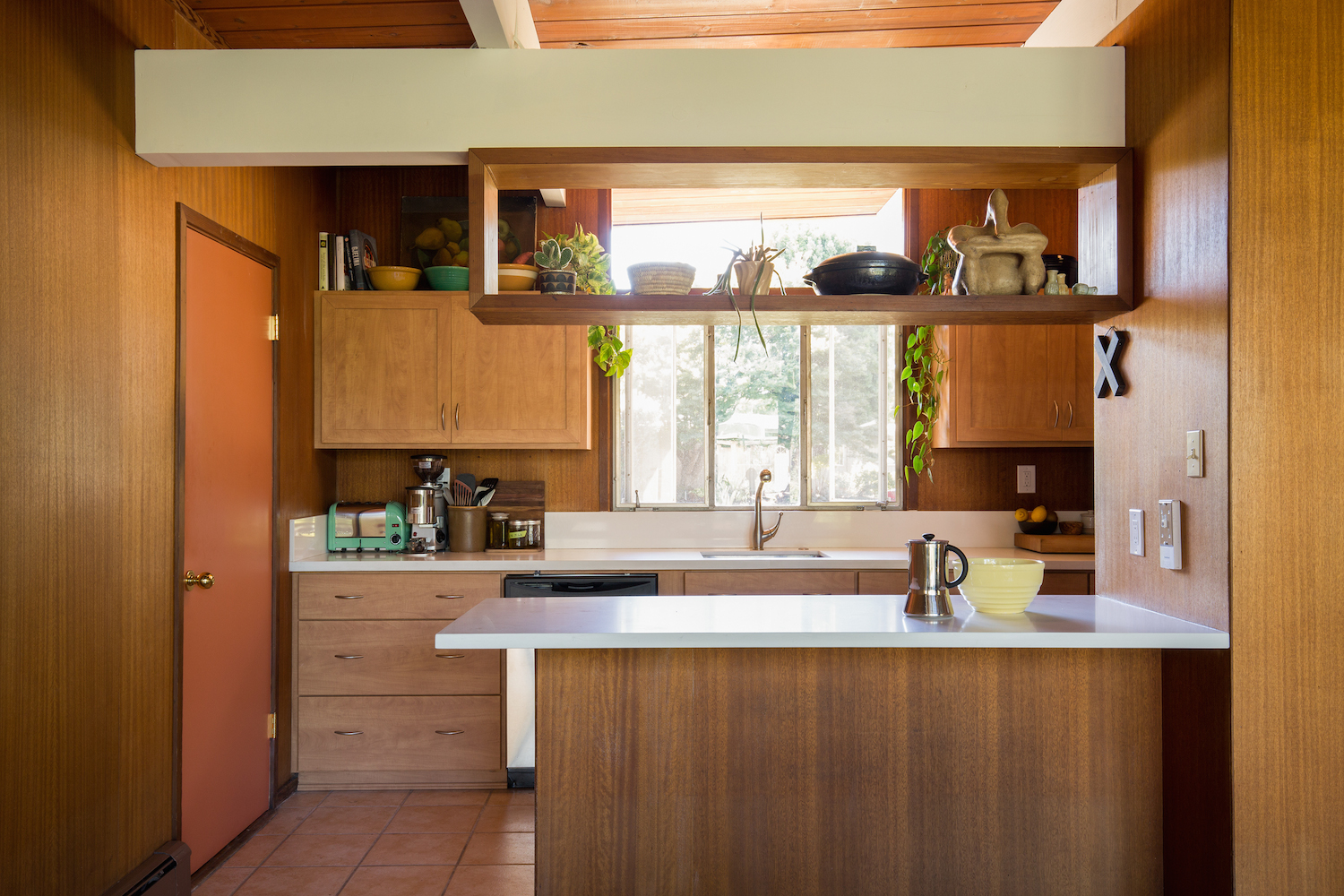 century kitchen cabinets marble counters 20 charming midcentury kitchens ranked from virtually