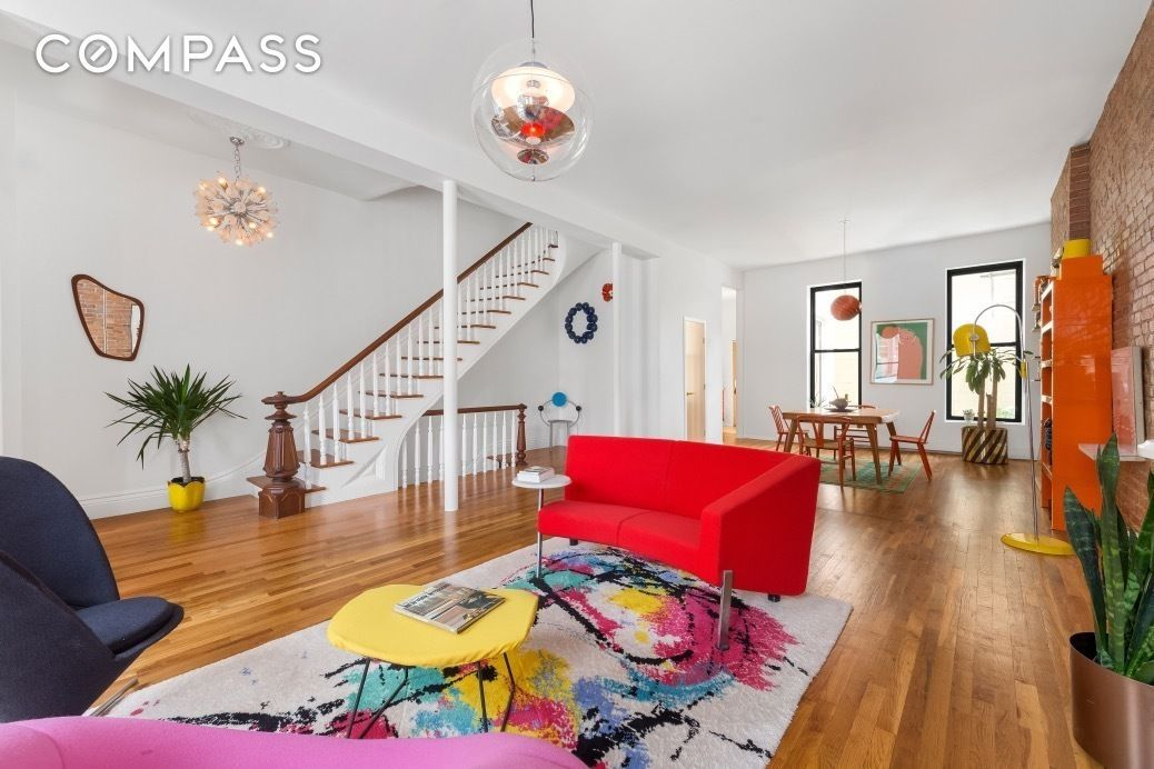 19thcentury Williamsburg townhouse gets colorful revamp