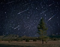 The Leonid meteor shower lights up the sky tonight. Heres ...