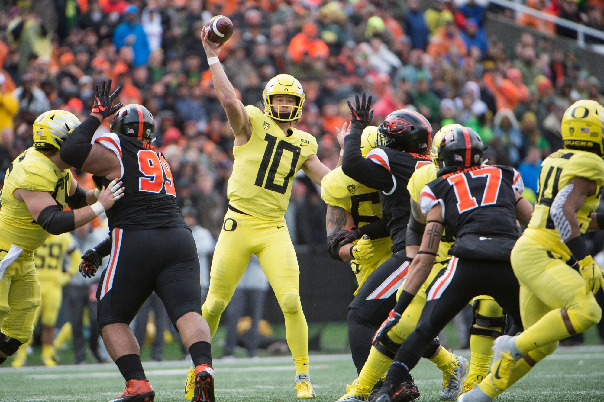 hight resolution of justin herbert to return to oregon ohio state s dwayne haskins likely top quarterback in nfl draft