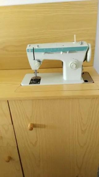 Maquina de coser singer 258 de segunda mano por 160  en