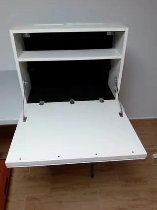 Escritorio de pared Ikea mod LUDVIG de segunda mano por