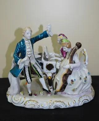 Antiguos musicos de porcelana de segunda mano por 95  en