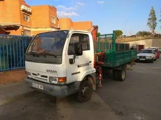 Camion grua pluma 3500 kg de segunda mano por 25  en
