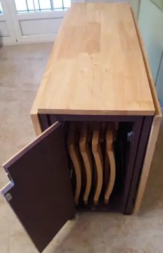 Mesa de comedor plegable con sillas de segunda mano por