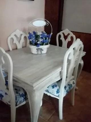 Mesa Comedor Isabelina con 4 sillas de segunda mano por