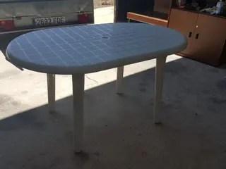 Mesa para terraza plstico de segunda mano en WALLAPOP