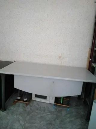 Mesa escritorio de segunda mano en WALLAPOP