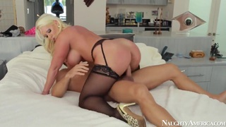 Milf Alura Jenson fucked hard by Johnny Castle thumb