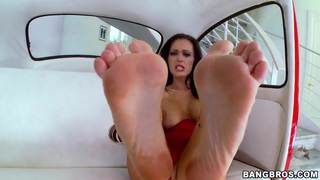 Jenna Presley gets her feet licked and sucked thumb