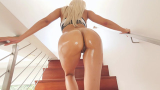 Luna Star parades her magnificent ASSets for the camera thumb