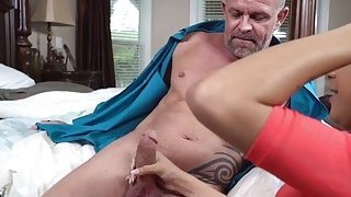Nicole Bexley swallow daddys big cock thumb