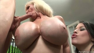 Awesome threesome with busty milf Daphne and Tia thumb