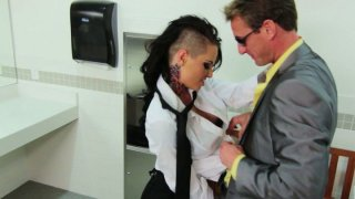 A dude picks up Christy Mack who works as a waitress and fucks her in a WC thumb