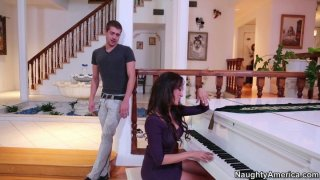 Sexy pianist girl Capri Cavanni gets her pussy licked thumb