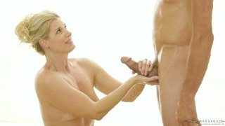 Skilled masseur India Summer knows_how to make her client fully satisfied thumb