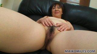 Dildo vorasious milf Junko Takeyama enjoys tickling her wet pussy thumb