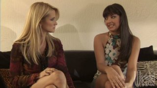 Jessica Drake and Carmen Hart pleasing each other thumb