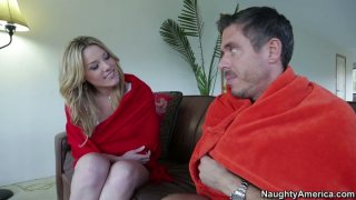 Fabulous blonde Sierra Day blows dick to warm up in the cold weather thumb
