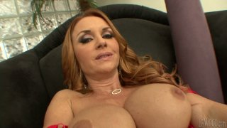 Curly ginger head mom Janet Mason stuns with her curvy body thumb