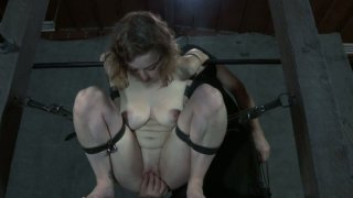 Blindfolded_Dixon_Mason_gets_her_snatch_hooked_up thumb