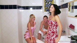 Bosomy brunette seductress Renata Black has a threesome in the bathroom thumb