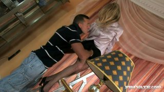 Desperate housewife Federica is seduced for a hot blowjob thumb