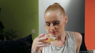 Buxom hot Samia Duarte desires to please a naughty chick thumb